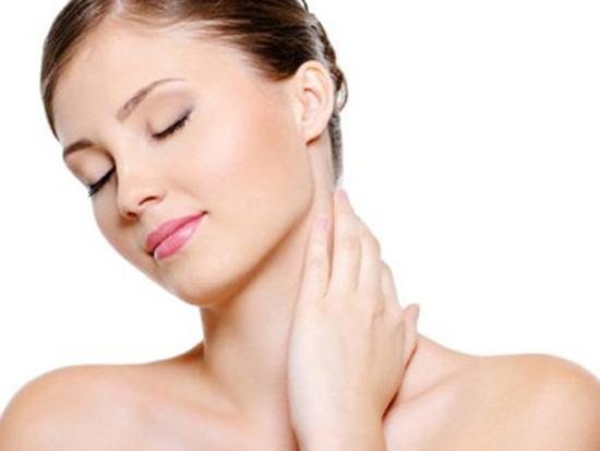 Dưỡng ẩm tránh da bị khô nẻ vào mùa đông