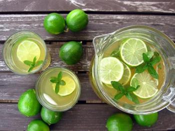 Thực hư phương pháp luộc cả quả chanh lấy nước uống giảm eo